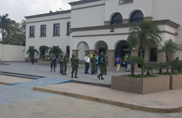 Evacuan Palacio Municipal de Altamira por amenaza de bomba