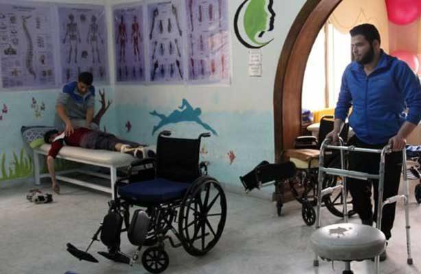 Mutilados de la guerra en Siria juegan al fútbol para recuperar la ilusión