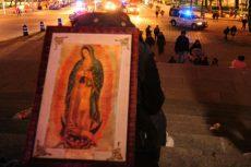 Cierran Reforma por arribo de peregrinos