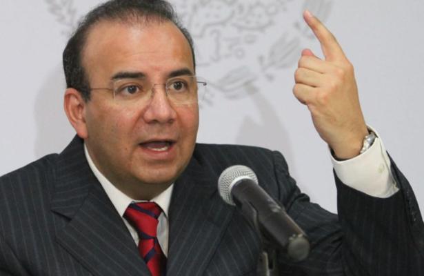 Rechaza Navarrete Prida espionaje a aspirantes presidenciales