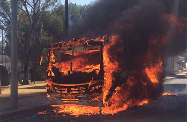 Se incendia autobús en Cuautitlán Izcalli