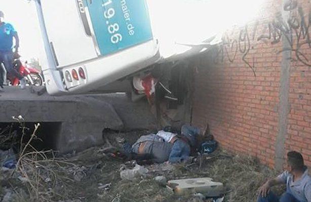 Tragedia en SLP: tres muertos y decenas de heridos en accidente