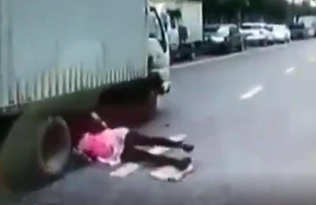 Videos virales. De milagro se salvan de una muerte segura