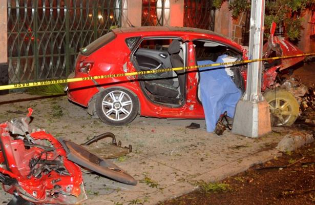 Impactó su vehículo contra un poste y acabó con su vida