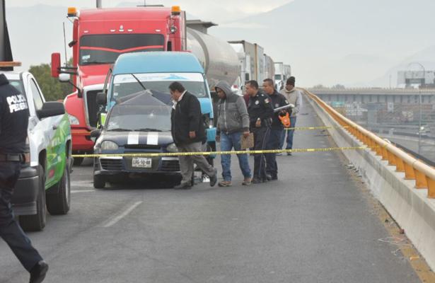 Por conducir a exceso de velocidad mató a dos en la México-Puebla