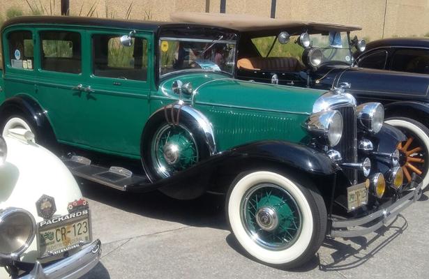 Alertan coleccionistas de autos antiguos de estafas en compra de accesorios