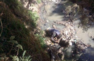 Abandonan cuerpo sin vida de hombre en río de Amecameca