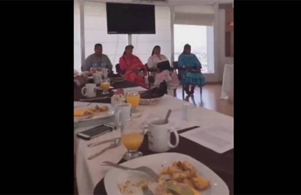 Diputados desayunan frente a rarámuris y ¡no los invitan!, ahora ofrecen disculpas