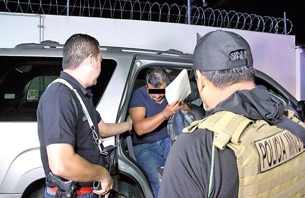 Detienen a policías involucrados en desapariciones, en Veracruz