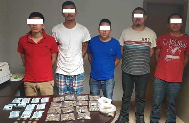 Detienen a cinco jóvenes vendedores de droga en Reynosa