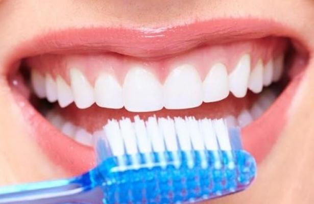 Cuida tu higiene bucal, esta enfermedad podrías desarrollar