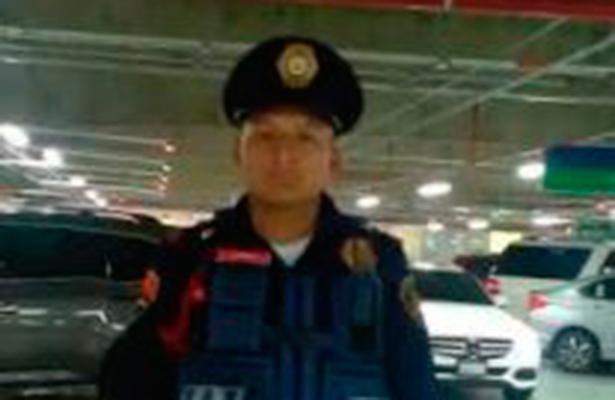 Honesto policía entrega sobre con 10 mil pesos que halló en estacionamiento
