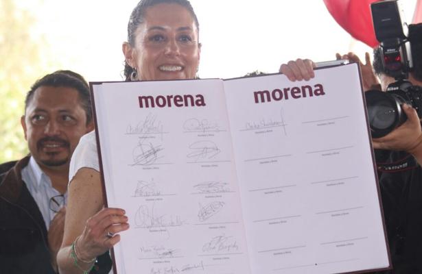 Sheinbaum y sus simpatizantes firman Acuerdo por la Unidad en la CDMX