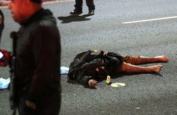Muere hombre al saltar de puente en periférico