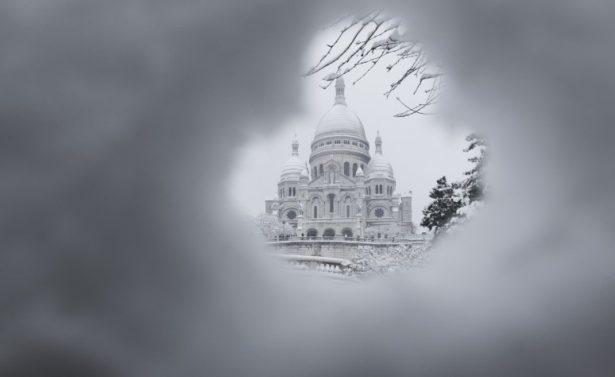 Cancelan vuelos por fuertes nevadas en París