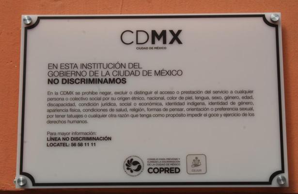 Colocan en Iztapalapa primer placa por la no discriminación en juzgados del registro civil