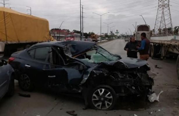 Casi muere prensado al impactarse contra una plataforma, en Tampico