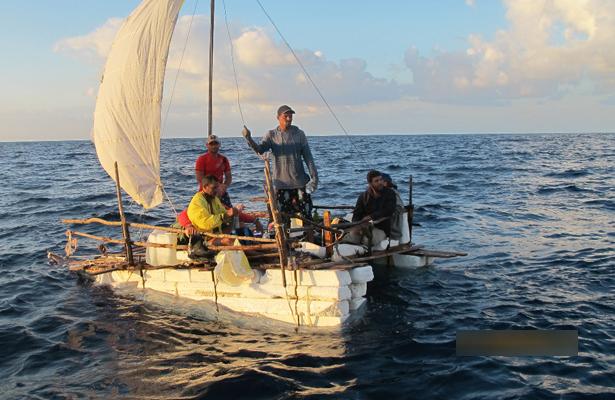 Semar rescata a ocho personas en costas de BC y Quintana Roo
