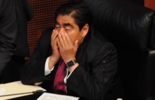 Se destapa el senador Barbosa para la gubernatura de Puebla