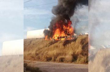 Arde tráiler en la México-Querétaro, hay un muerto