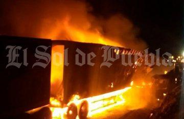 Choque de titanes deja caos en autopista Amozoc-Perote