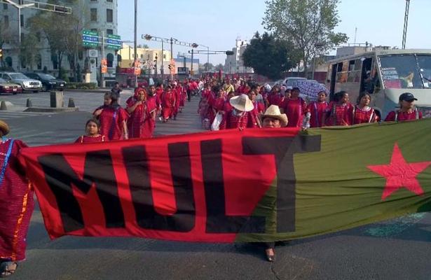 Con tres mil triquis, el MULT exige al gobierno atención a sus demandas de justicia