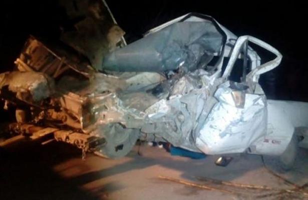 Quedó prensado entre los fierros de su camioneta en Veracruz