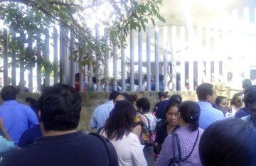 Habitantes de Teojomulco toman Ciudad Judicial, mantienen retenidos a empleados.