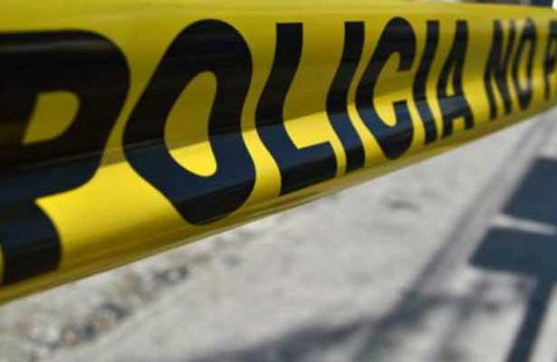 Casi linchan a polis en Iztacalco