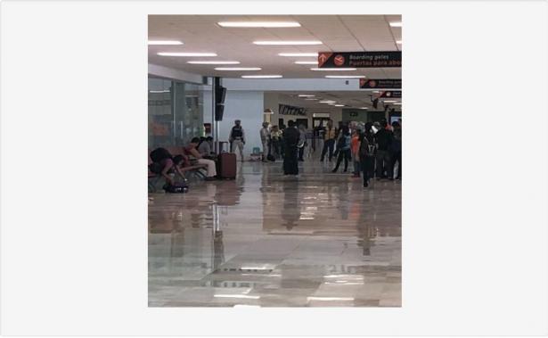 Abaten a hombre en el aeropuerto tras amenazar a comensales