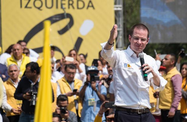 Encabeza candidato de derecha, Anaya 29 aniversario del PRD