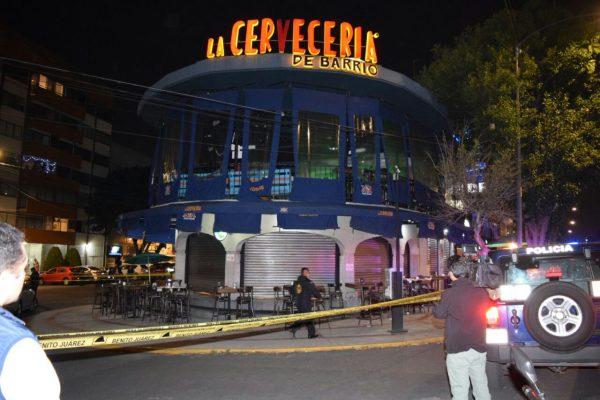 Murió hombre baleado en Cervecería de Barrio en la Del Valle