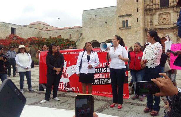 Se desangran mujeres del Frente Contra la Violencia Política, en Oaxaca