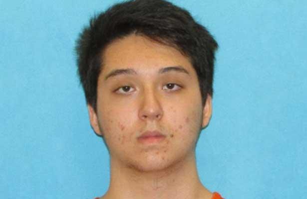Arrestan a estudiante de Texas por planear tiroteo masivo