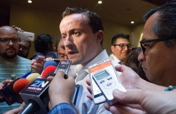 Mikel demanda auditar a empresas concesionarias de los parquímetros