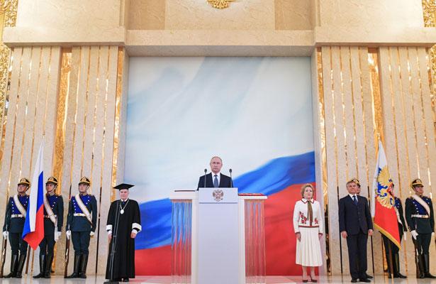 Felicita Donald Trump al presidente ruso Vladimir Putin por su investidura