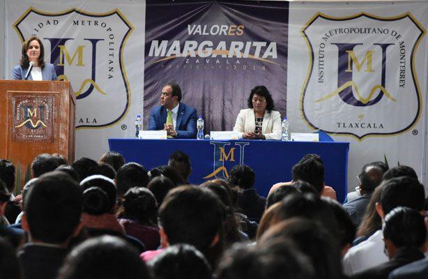 Se reúne Margarita Zavala con alumnos de Tlaxcala