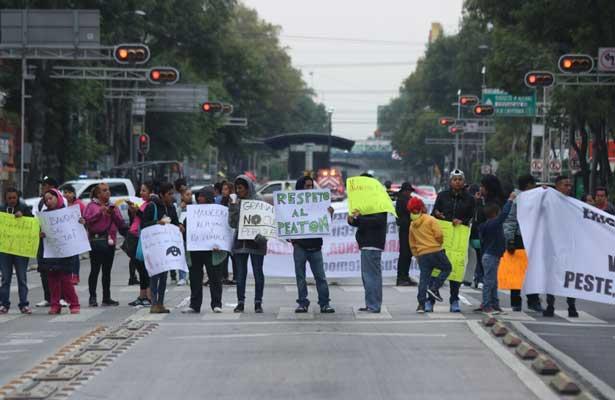 Protestan vecinos de la Roma y la Doctores