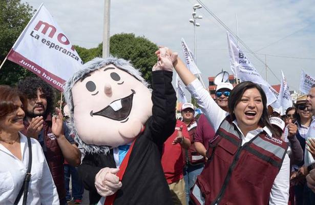 Desfile de partidos opacaron celebración del Cinco de Mayo