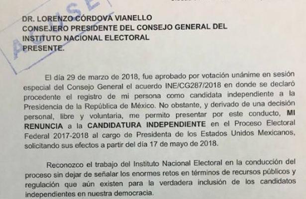 Zavala presenta su carta de renuncia al INE