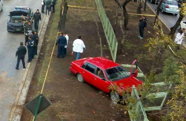 Muere presunto asaltante tras choque en Circuito Interior
