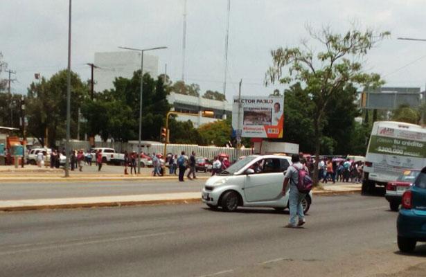 Tras negativa en SEGOB, sección 22 de la CNTE causa estragos en Oaxaca