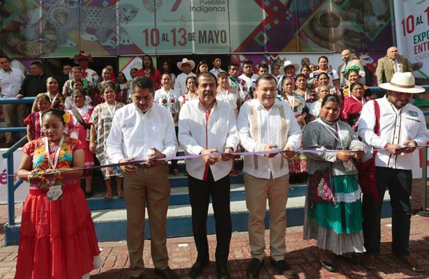 Inaugura Eviel Pérez Magaña Séptima Expo de los Pueblos Indígenas