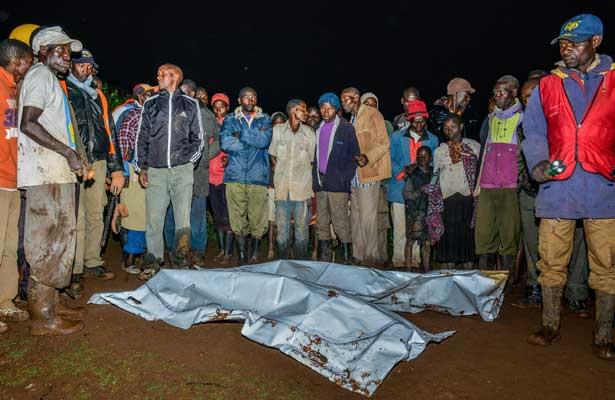 Colapsa presa en Kenia y deja al menos 20 muertos