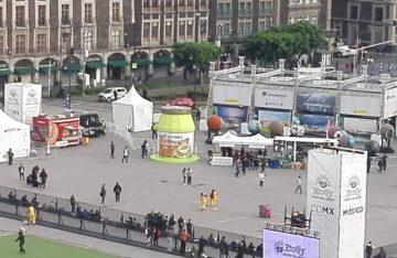 Aficionados arriban al Zocafut para el partido México- Corea