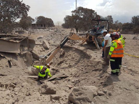 Paran búsqueda de cuerpos en Guatemala; suman 101 muertos