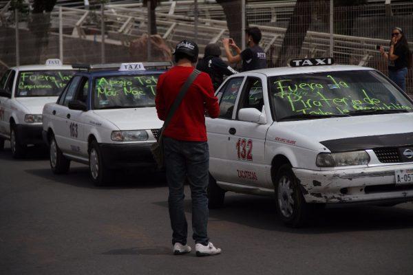 Nueva arremetida de taxistas contra Uber en Zacatecas