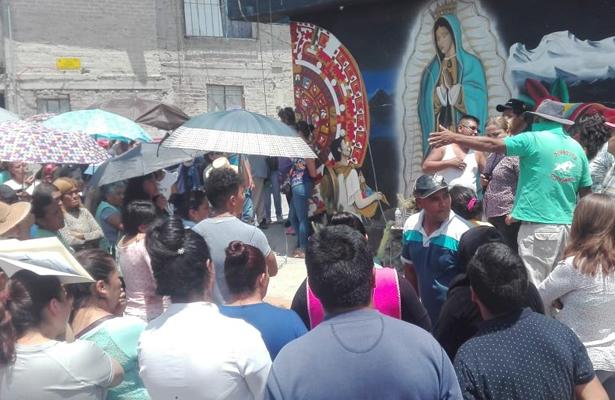 Se reúnen los afectados por la explosión en Tultepec