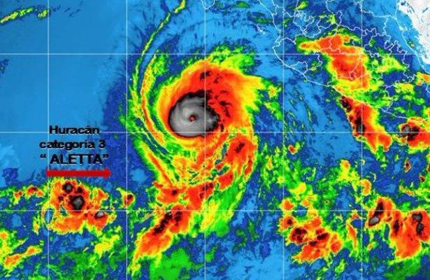 Aletta se debilita a huracán categoría 2