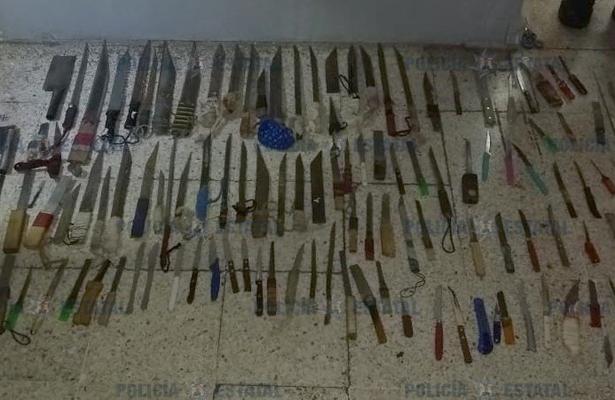 Aseguran droga, celulares y armas punzocortantes en el penal Santiaguito